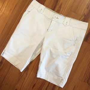 Aeropostale Capris White with Tan Details Adorable